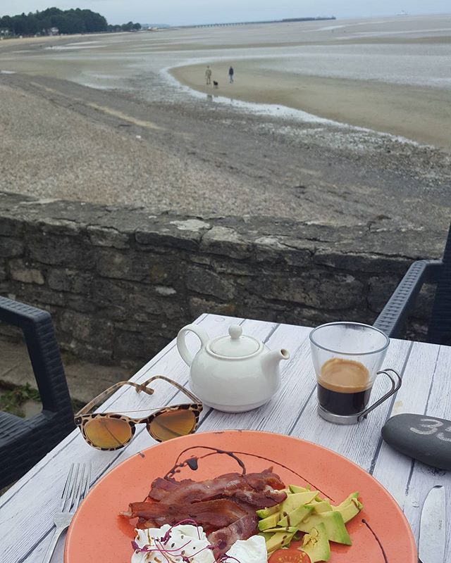 Saturday breakfast at the beach after horseriding