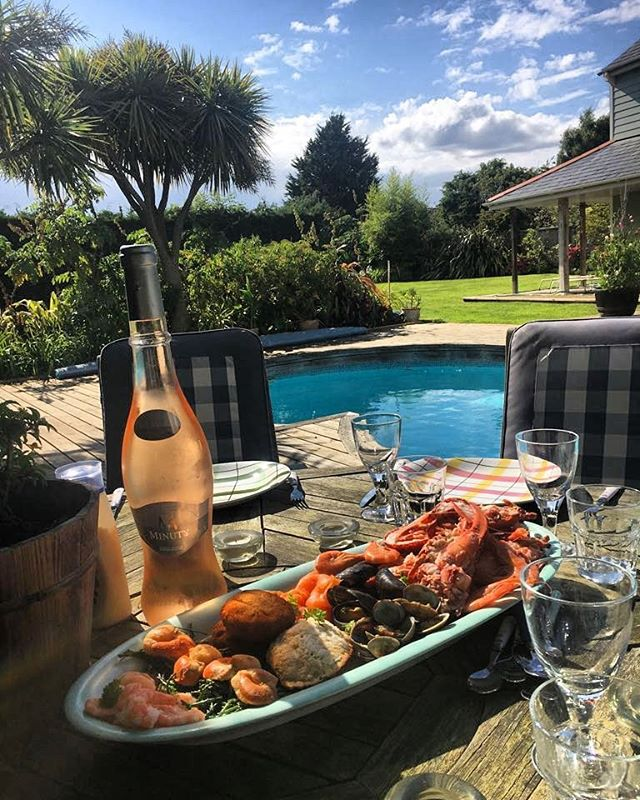 Daughter' s Birthday Lunch!  Seafood Lunch by the pool