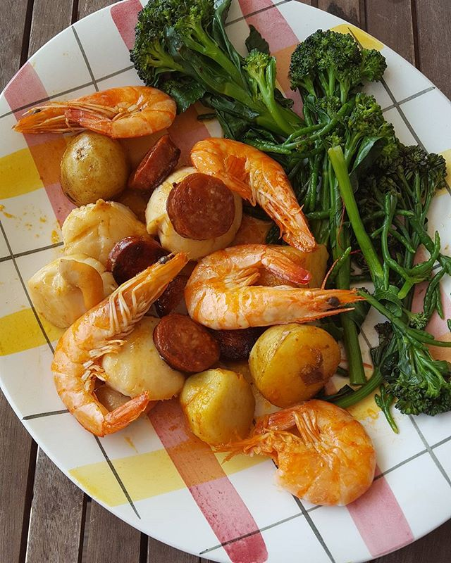 Quick healthy scallops, chorizo and prawns recipe.  Pan fry scallops in a very hot pan with butter, olive oil or coconut oil. Sear or brown them very quickly so they don't become rubbery. In a separate frying pan heat the chorizo and already cooked new potatoes until browned. Lightly boil tenderstem broccoli and add the samphire at the last minute. So quick and easy and yummy.