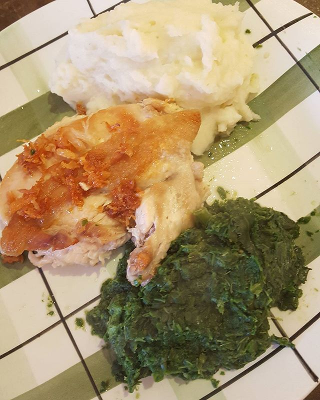 Todays warming wet weather healthy home cooked lunch with carbs.  Intermittent fasting with a 16 hour fast since last meal of Tuesday eve. 8pm yesterday to 12pm today. Good to give the gut a rest. For best results repeat 2 consecutive days.  Mashed potato with crispy skin chicken cooked in coconut oil  and spinach. Had to have the mashed potato as its such wet, cold and miserable Wintery Summer weather today