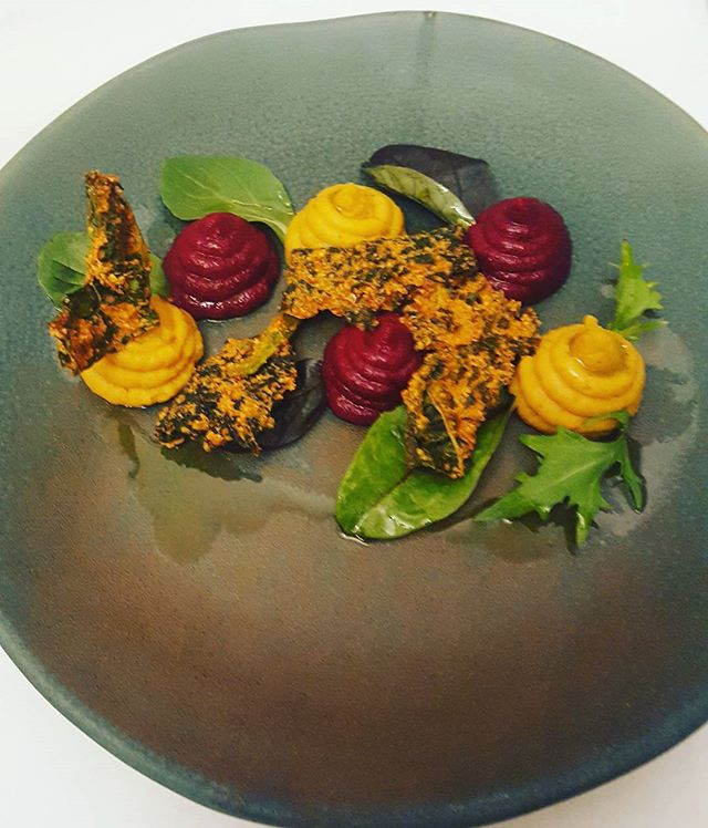 How to eat healthily but still deliciously!  The most delicious starter of beetroot and butternut houmous with cavolo nero crisps. Yummy!   @grayshottspa