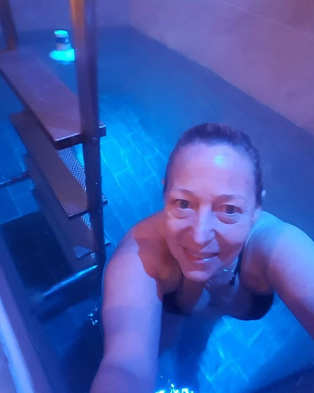 Sharing my brave descent with you  Into the icy cold plunge pool.  Ha ha!  Brave or stupid?  Good for circulation. Immune system. Injuries If Andy Murray can do it so can I....