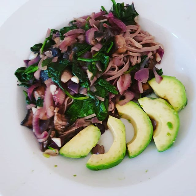 When you have to resort to the store cupboard and leftovers in the fridge to create a quick supper as you had no time to food shop.  Buckwheat noodles with chopped red onion, garlic, mushrooms, tomatoes, spinach and avocado on the side Dressed with olive oil.
