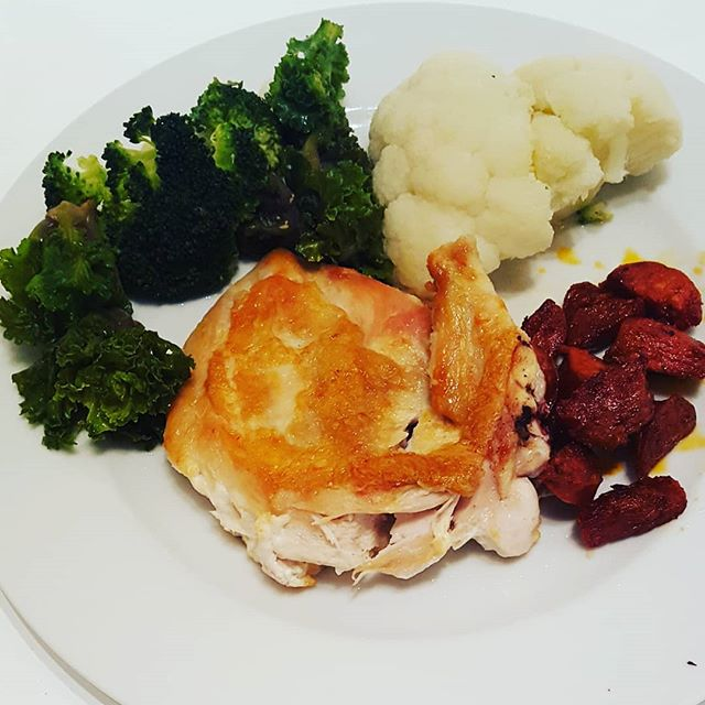 Healthy lunch today after chocolate eggs and hot cross buns yesterday.  Roast chicken with chorizo, broccoli, cauliflower and kale.