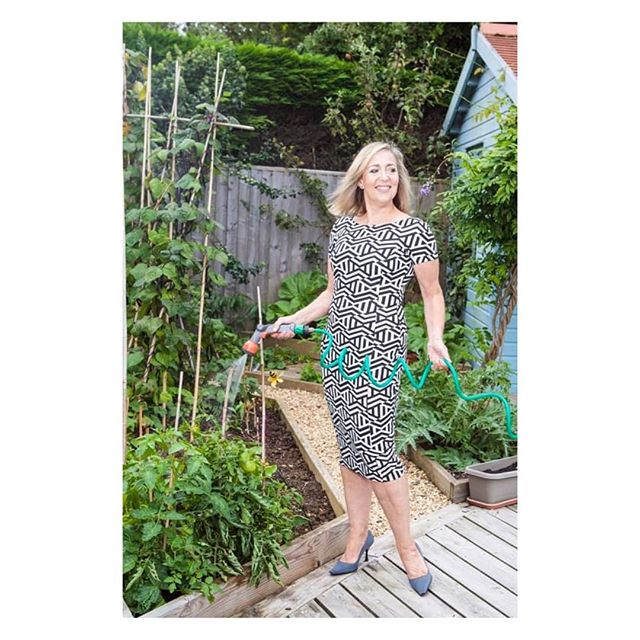 There's a heatwave coming!  Keep hydrated.  Drinking 2 litres of water a day is important for a healthy body and hydrated youthful skin too.  With thanks to @rory_photo for the photo of me in my garden from last Summer.