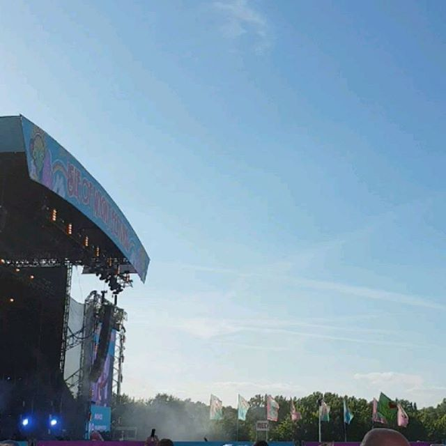 Isle of Wight festival 2018  Video clips of some of my favourites of Friday's festival line up. Rita Ora,  Niall Rogers and Chic, the Script . . . . .