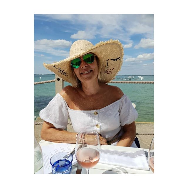 Lunch at The Hut Colwell Bay- my favourite Island restaurant.  Large sun-hats a requirement this Summer when lunching al fresco.  Sundress River Island. Sunglasses TKMaxx Sunhat Oliver Bonas  Rose wine Pinot Grigio Blush . . . . . .