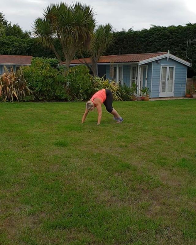 Not very good at this 'bear crawl' fitness exercise.  At least I tried my best!  What a meany trainer! @sportsperformance86 ha! ha!  This was at the end of 20 mins HIIT boxing workout and then doing these bear crawls up and down the garden 4 x over.  So maybe that could be why I look so rubbish at this? . . . . .