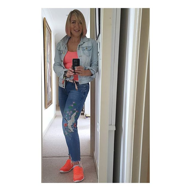 When it's a pink day.  Pink hair spray TK MAXX Tshirt H&M Denim jacket Primark Jeans Zara Trainers F&Fclothing . . . . .