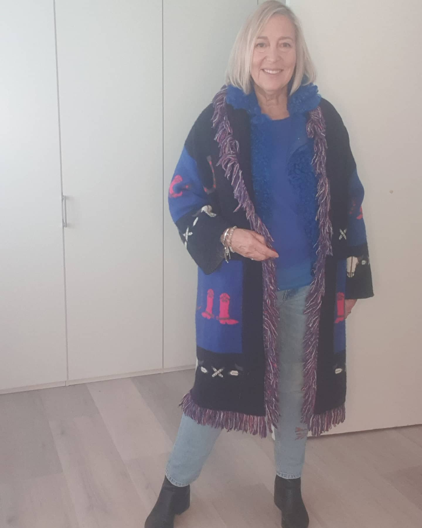 The art of layering to keep warm and still stylish for outdoors dining. Everything from my own wardrobe from past seasons... Wearing: H&M long sleeve t-shirt M&S cashmere sweater JOSEPH furry gilet ZARA cardigan ZARA jeans RiVER  ISLAND boots  . . .